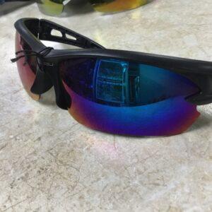 Очки спортивные UV400, оправа черная, стёкла чёрные радужные, мод.951